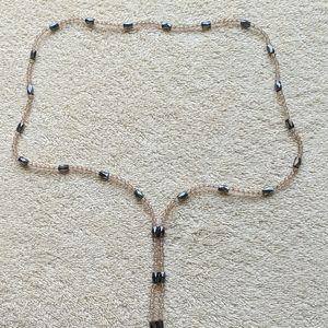 Magnetic necklace or bracelet